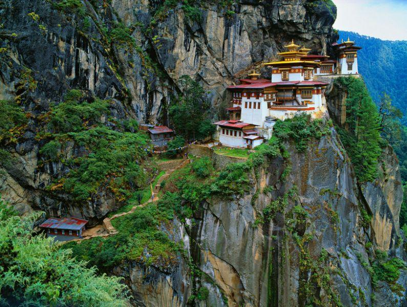 Bhutan A52LSS Himalaya, Tibet, Bhutan, Paro Taktsan, Taktsang Palphug Monaster
