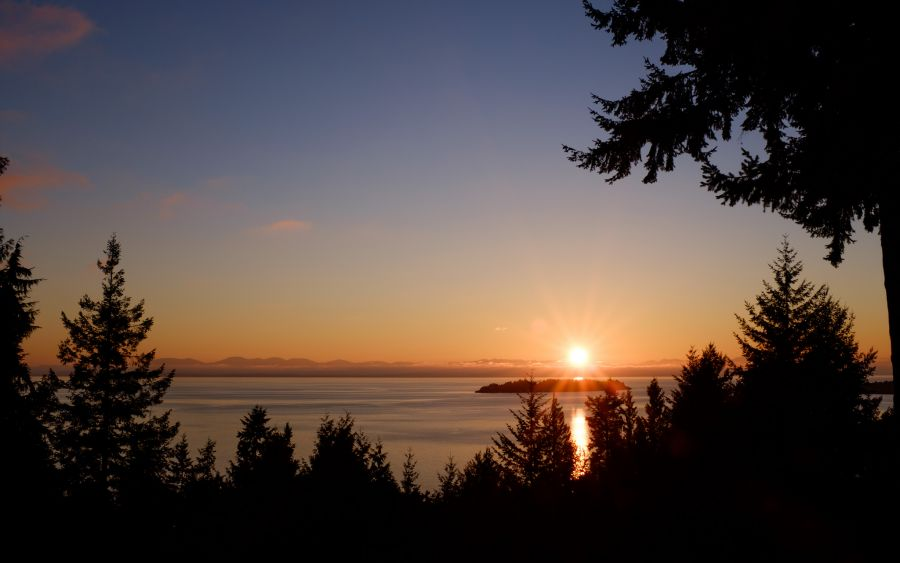 Bowen Island VE7ACN/7 Tourist attractions spot Sunset.