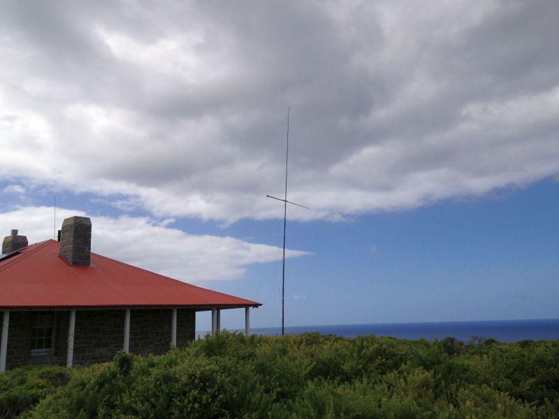 Breaksea Island VK5MAV/6 VK5CE/6 2el VDA Antenna