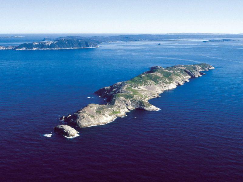 Breaksea Island IOTA OC-243