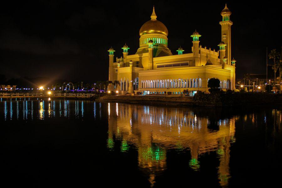 Brunei V85/OE9SBD Mosque.