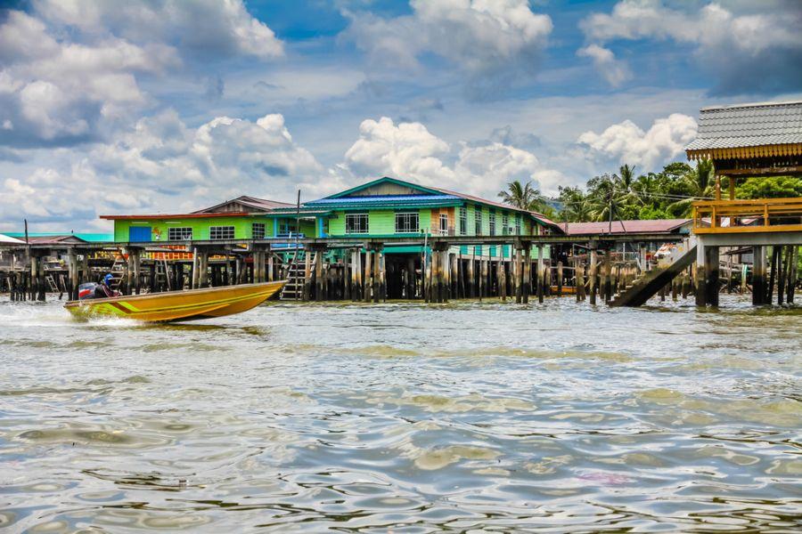 Бруней V85/VE3LA Туристические достопримечательности Деревня  Бандар Сери Бегаван
