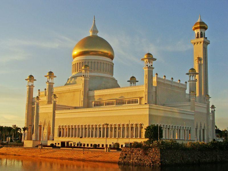 Бруней V85/VE3LA Мечеть Султана Али Саифуддинг
