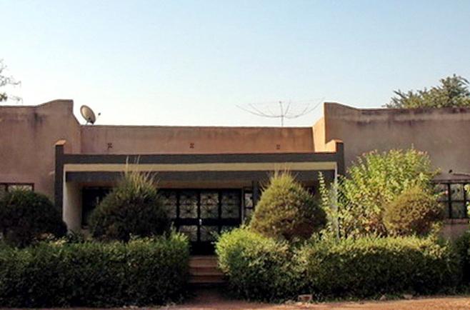 Буркина Фасо XT2AW Здание отеля