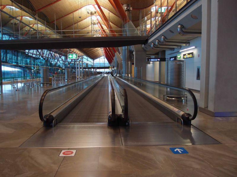 Пустой терминал Мадрид