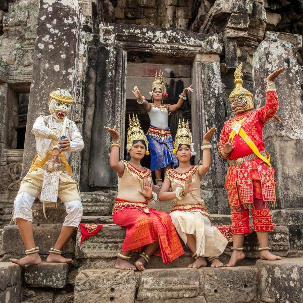 Cambodia XU7AHA Cambodians in national dress