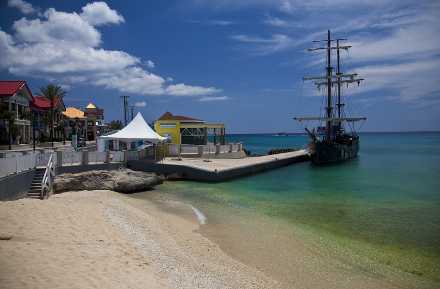 Cayman Islands ZF2DO DX News