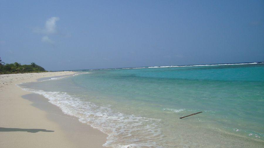 Cayo Sombrero Island beach
