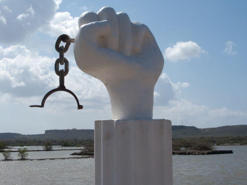 Curacao PJ2/DL3LUM Tourist attractions spot Slaven monument.