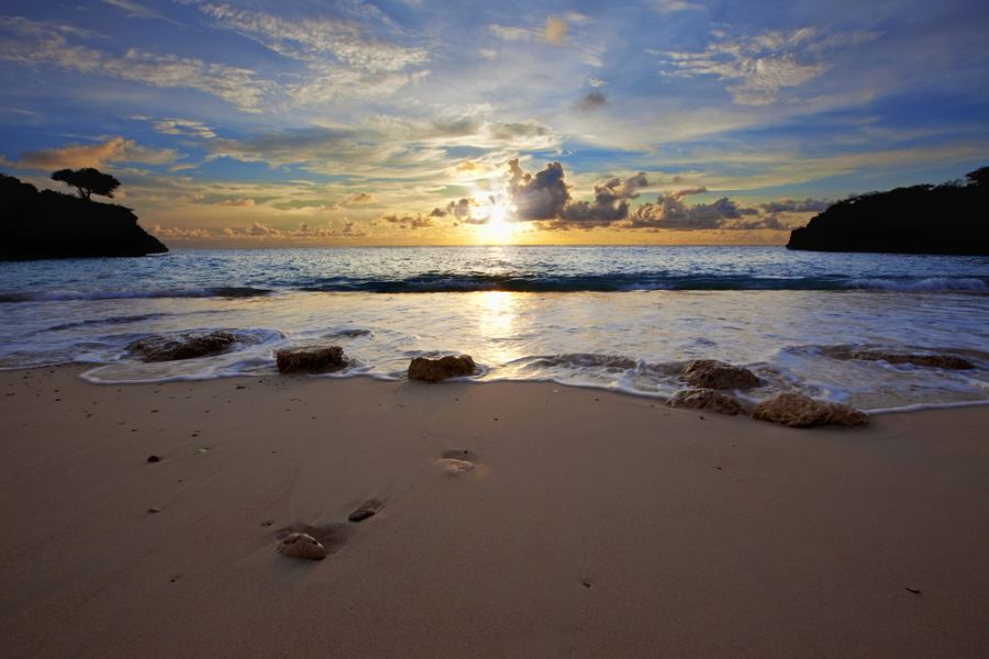 Curacao Island PJ2/PA3EYC DX News Sunset at Jeremi beach