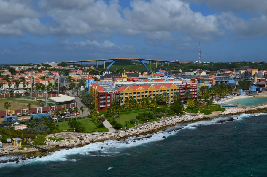 Curacao Island PJ2/W4PGM PJ2/W4VAB Wide angled view of the cruise ship port in Willemstad