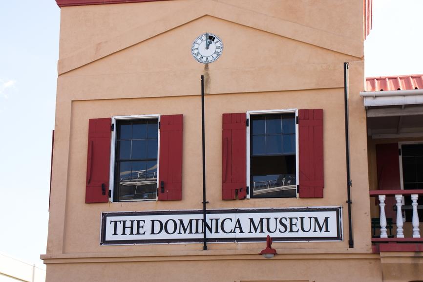 Dominica Island J79AUS