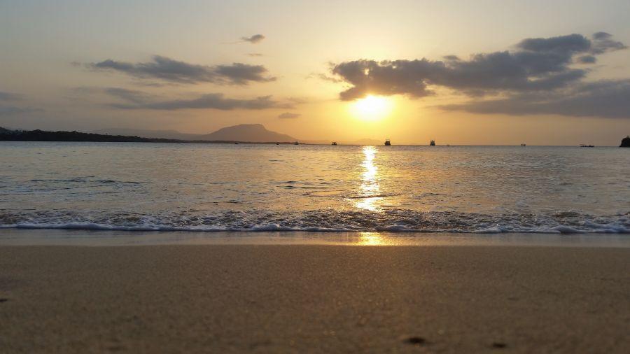 Dominican Republic HI3/HA3JB DX News Sunset in Sosua.