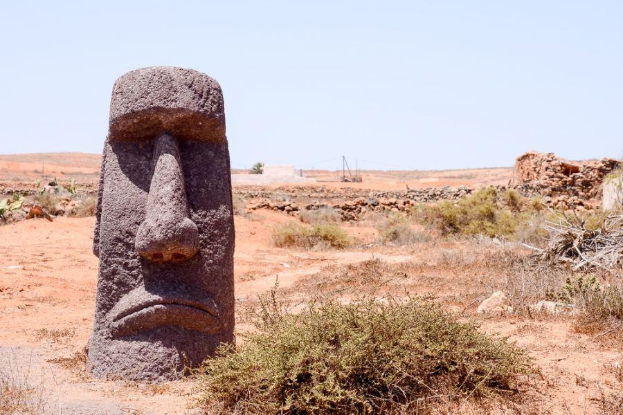 Easter Island CE0Y/W7YAQ Classic Style Moai Mask.