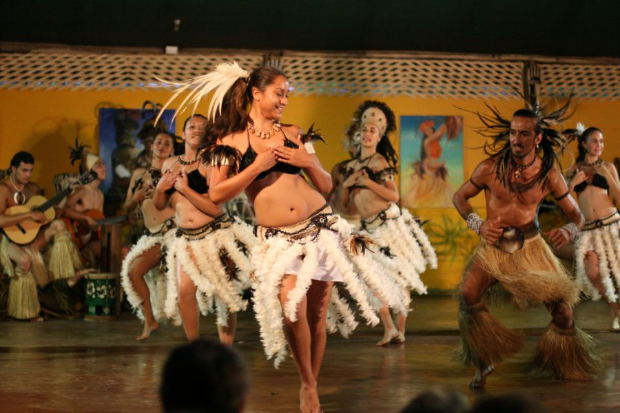Остров Пасхи XR0YS Танец Кари Кари.