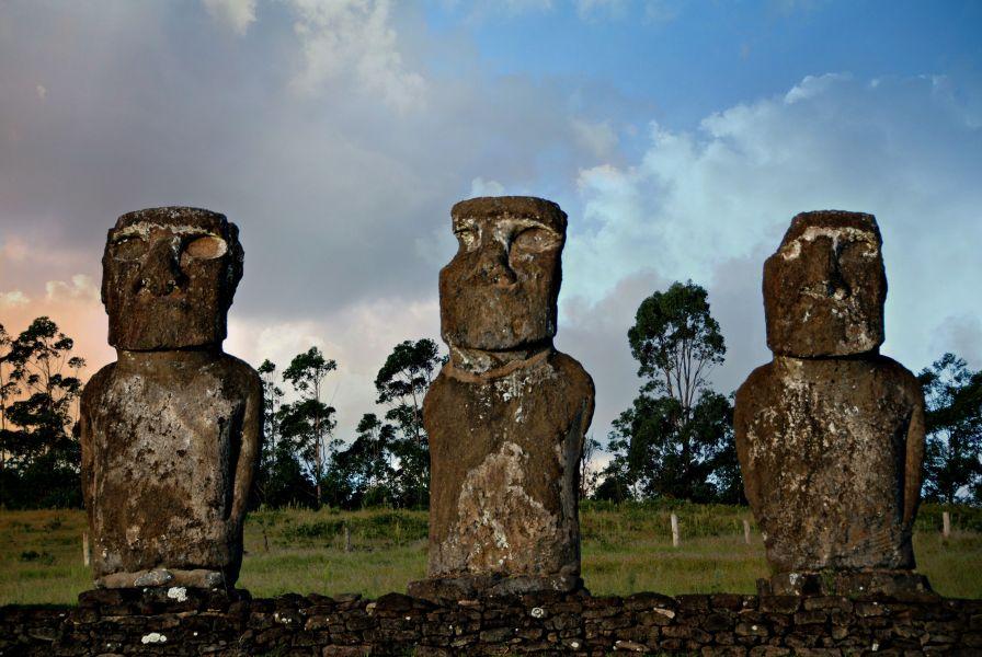 Easter Island XR0YNTT 3G0YNTT CB0YNTT XR0YWTF 3G0YWTF CB0YWTF Tourist Attractions