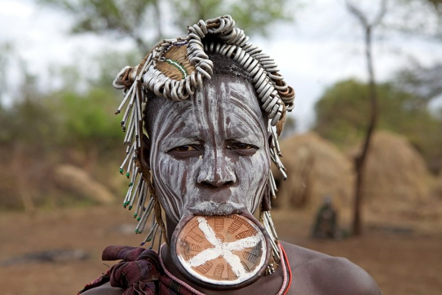 Эфиопия ET7L DX Новости Женщина племени Мурси.