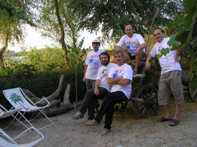Fericirii Island EM5F Team