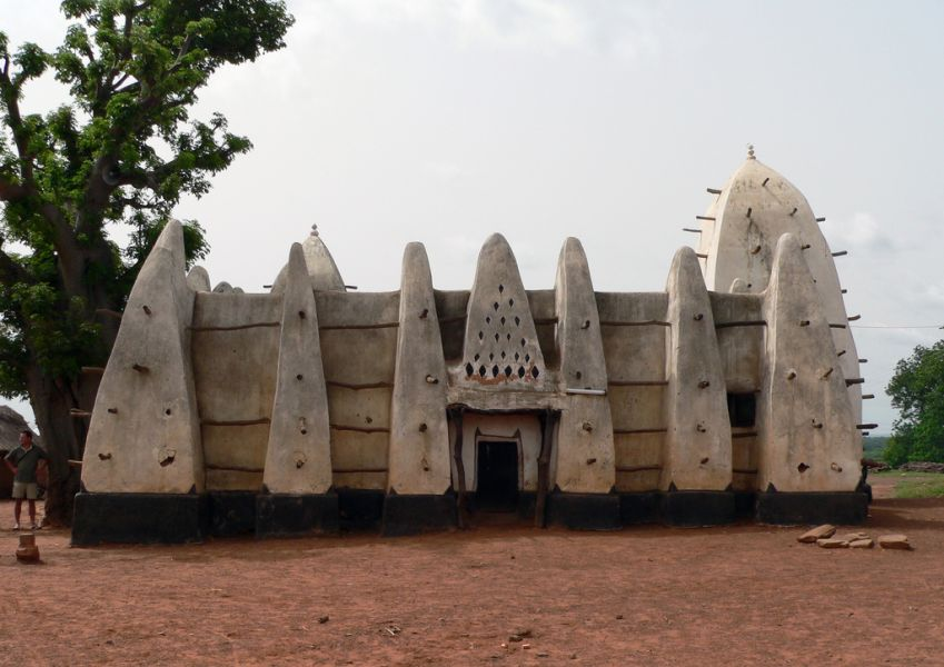 Ghana 9G5AM DX News Larabanga mosque, Mole.