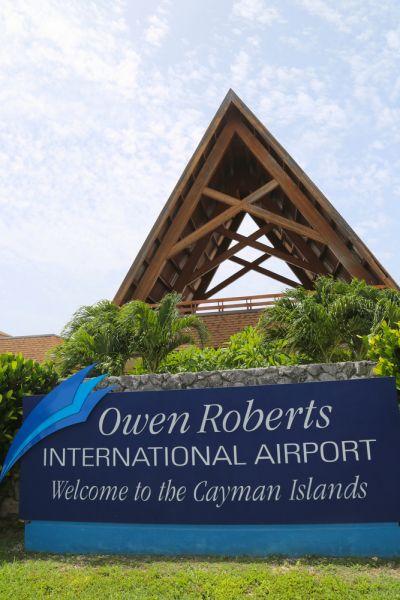 Остров Большой Кайман Каймановы острова ZF2LL Международный аэропорт Овен Робертс.