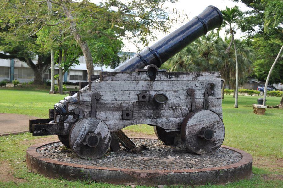 Guam Island KG2A/KH2 Tourist attractions spot Plaza de Espana