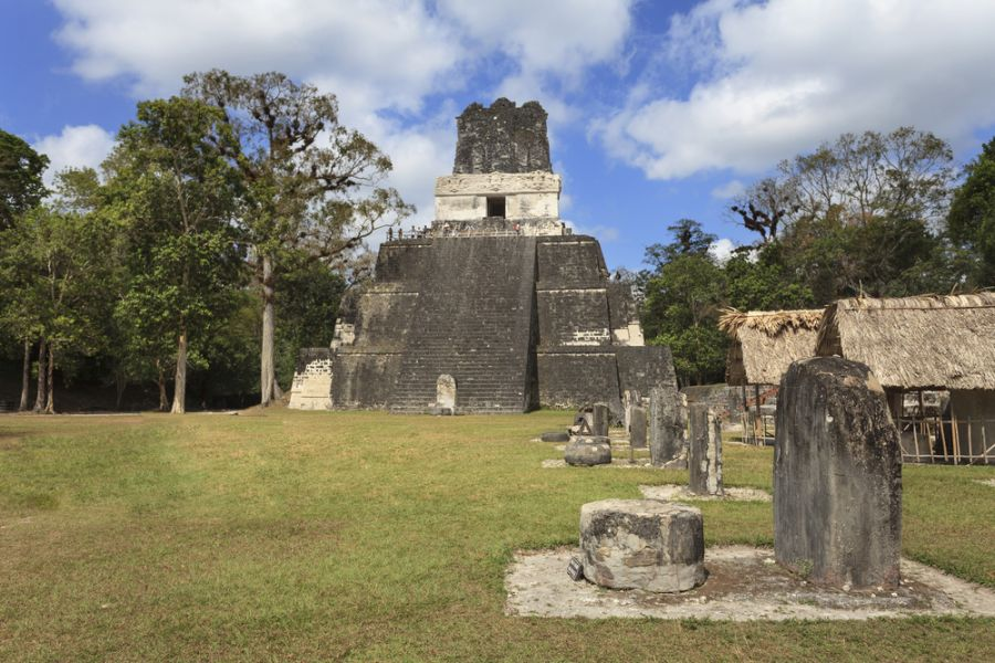 Guatemala TG5/W8ERI Tourist attractions spot Mayan pyramid in Tikal.