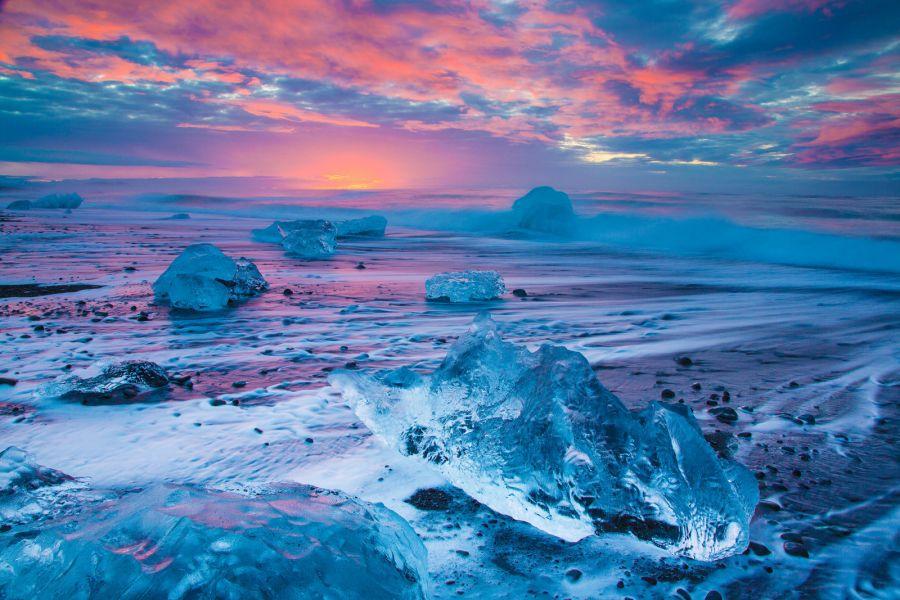 Iceland TF3WK DX News Black Beach.