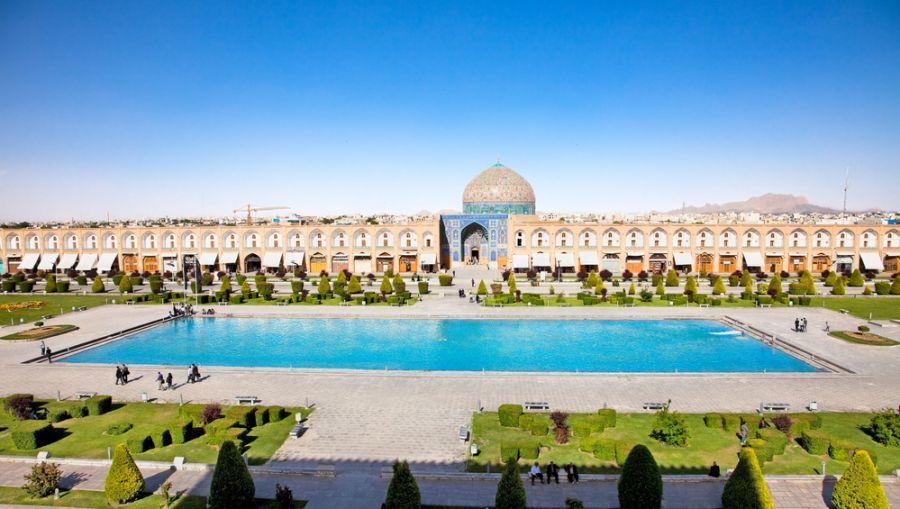 Iran EP2A DX News Sheikh Lotfollah mosque on Naqsh-i Jahan Square, Esfahan, Iran.
