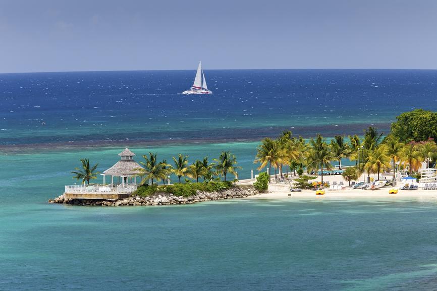 Jamaica 6Y6N Caribbean Inlet to Ocho Rios, Jamaica