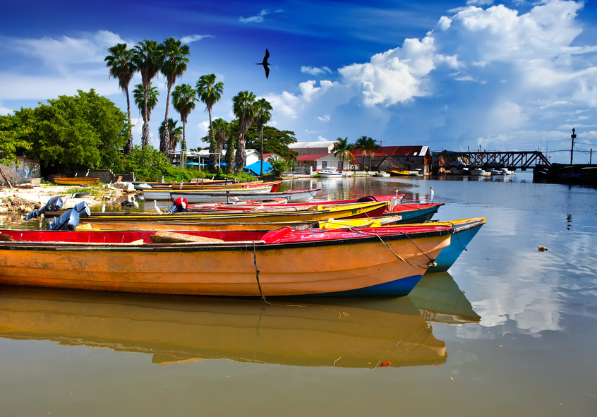 Jamaica 6Y4K Tourist attractions Jamaica. National boats on the Black river.