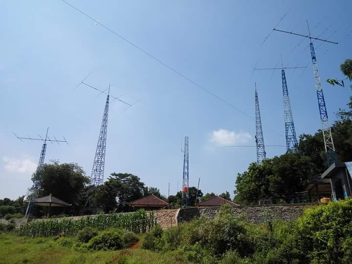 Java Island YC1CT Antenna Farm