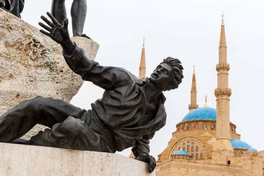 Ливан OD5/IZ1CCK DX Новости Монумент борцам за независимость в центре Бейрута.
