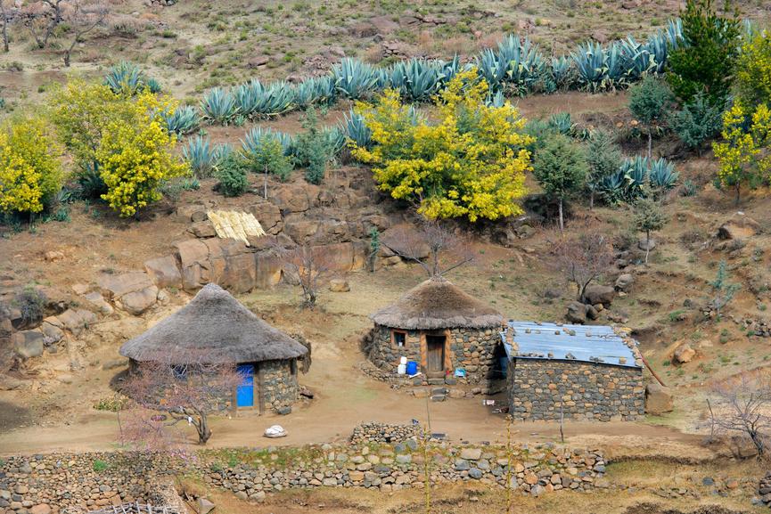 Lesotho 7P8LS DX News