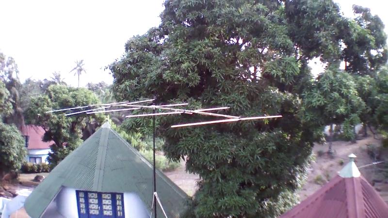 Iles de Los 3XY1T 6m antenna.