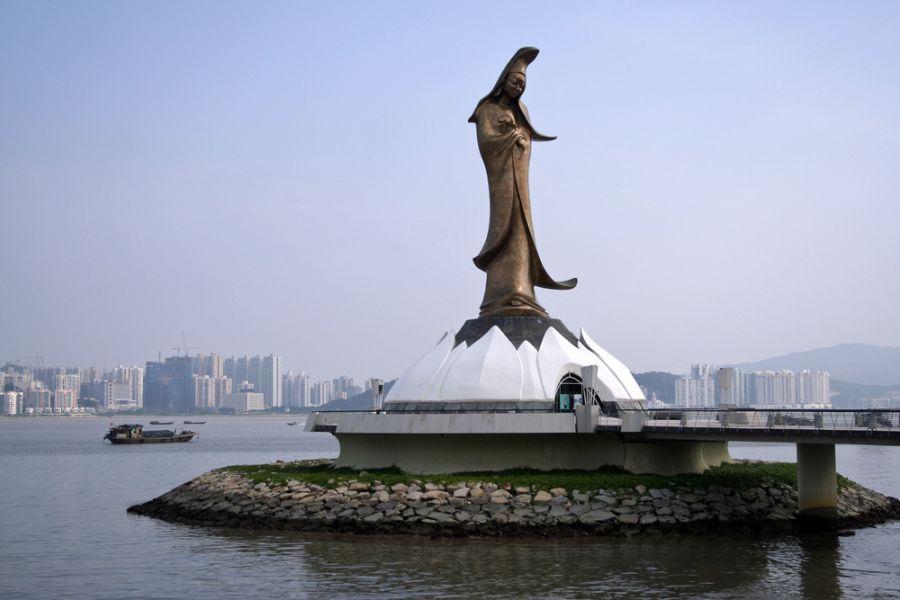 Macau XX9TIH XX9TUD Kun Iam statue