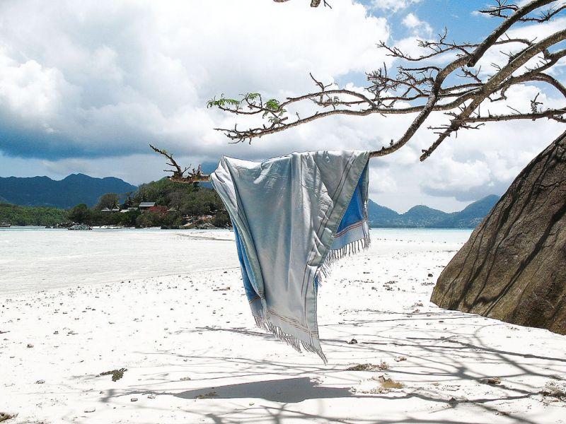 Mahe Island Seychelles S79V DX News Moyenne Island.