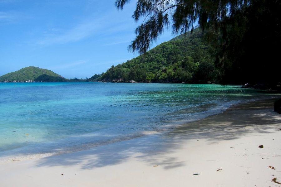Остров Маэ Сейшельские острова S79V Пляж.