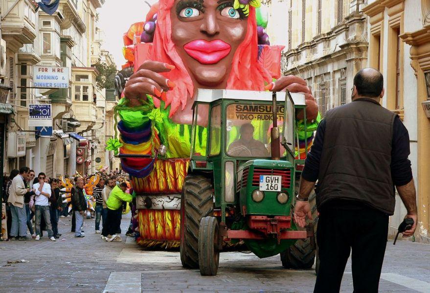 Мальта 9H3G Туристические достопримечательности Карнавал.