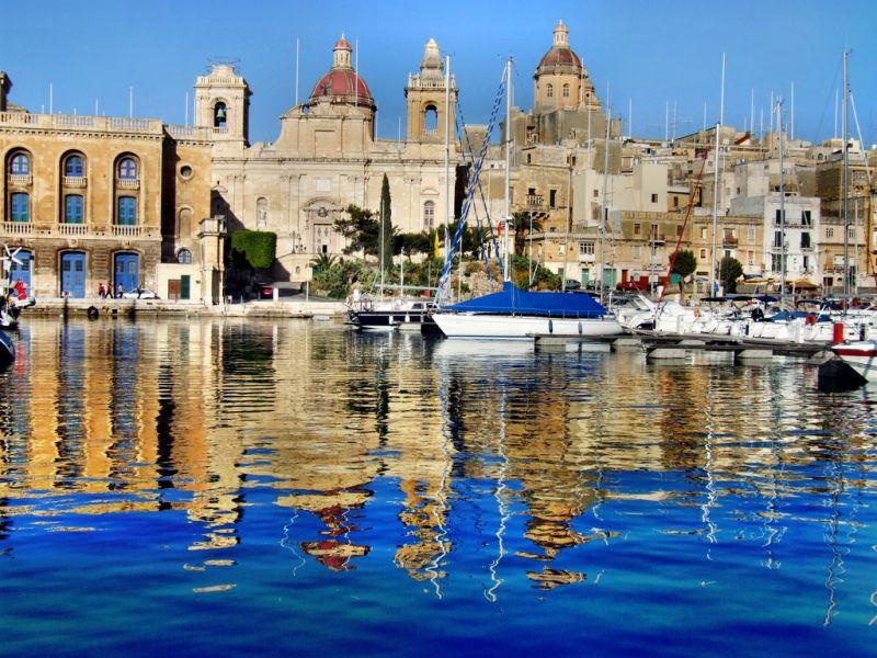 Malta 9H3SQ DX News Valletta.