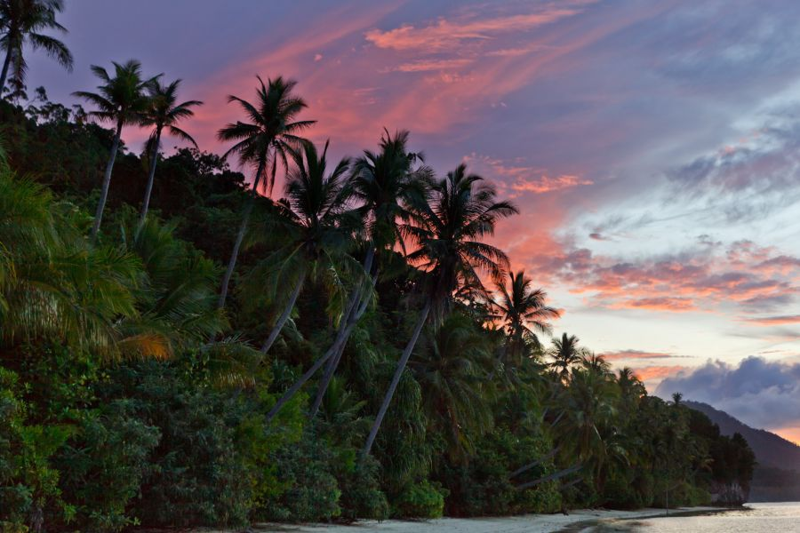 Mansuar Island Raja Ampat West Papua YD4IRS/9 DX News Sunset.