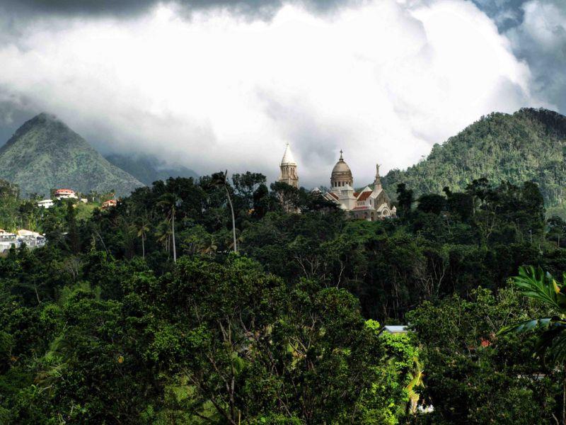Остров Мартиника FM/N7BF FM/WT4BT TO4OC TO6ABM Туристические достопримечательности Церковь Балата.