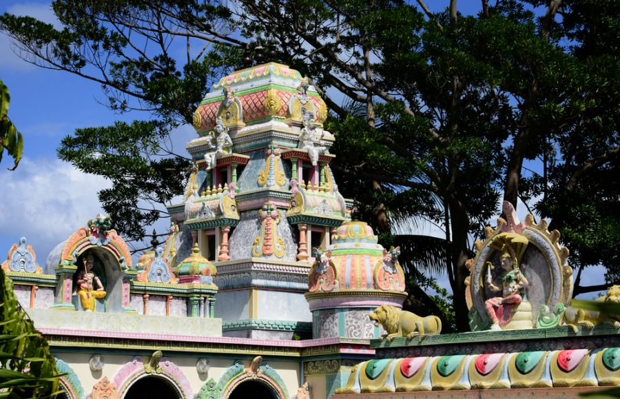 Mauritius 3B8/G8AFC Tourist attractions spot Hindu temple of Pereybere.