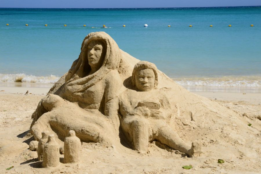 Mauritius Pereybere 3B8/G8AFC Sand sculpture on the beach.