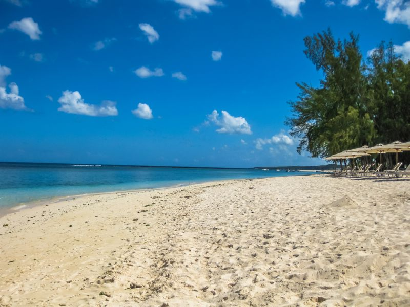 Flic en Flac Mauritius Island 3B8HD DX News The famous tropical Central Beach with white sand.