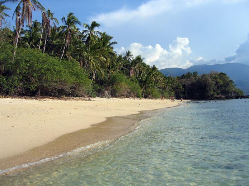 Mindoro Island DU1/R7KW DU1/YL3JM DX News Tropical beach near Puerto Galera.