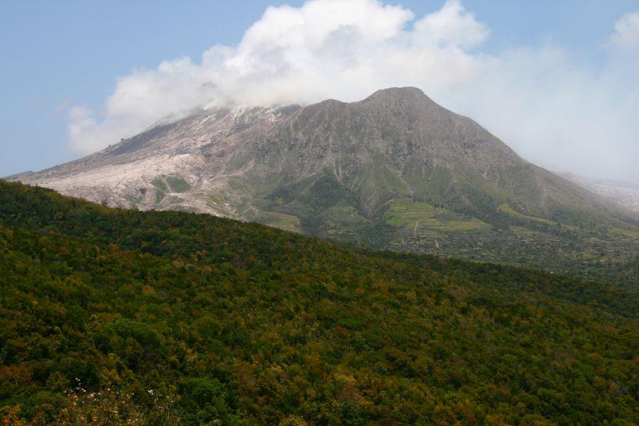 Montserrat Island VP2MAC VP2MXT VP2MLJ DX News Montserrat volcano - still very active