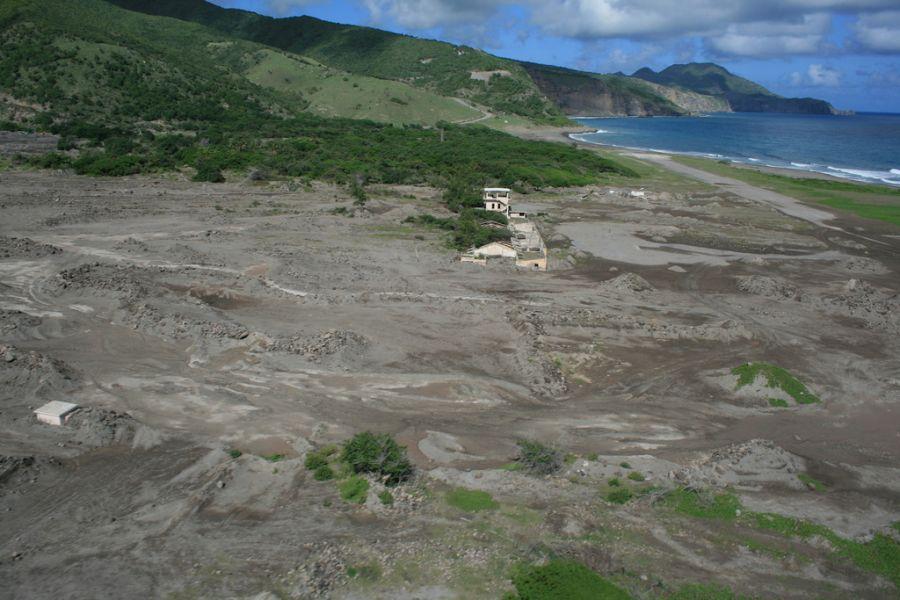 Остров Монтсеррат VP2MVI Полет на вертолете над островом.