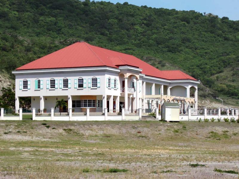 Остров Монтсеррат VP2MXP VP2MEW VP2MRL Здание культурного центра.