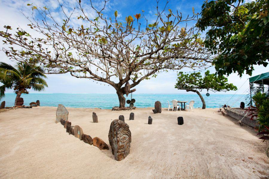 Moorea Island French Polynesia FO/W7YAQ Public beach.