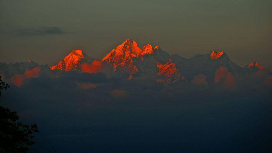 Nepal 9N3DX DX News Annapurna.